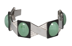Maison Georges Fouquet, Bracelet, Paris 1929, or gris, platine, diamants taille brillant ancien, émail noir, jade taille cabochon, Virginia Museum of Fine Arts, Richmond, photo Katerine Wetsel