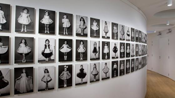 Tayfun SERTTAS, Butterfly Colllection 2011, Photographies de Foto Galatasaray / Istanbul - Beyoglu, 1960, 1967, 1969, 1963, 1961, 1962, 1949, 1952, 1952, 1957, 1957, 1949 (de haut en bas, de gauche à droite), Négatifs noir et blanc, 15 x 10 cm, Courtesy - © Tayfun SERTTAS